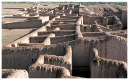Paquimé en tarahuamara o rarámuri, significa Casas Grandes o Lugar