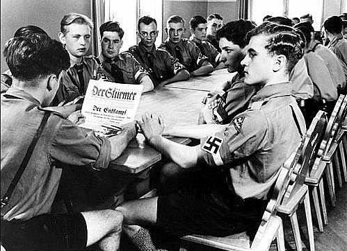 Juventud hitleriana o hitlerjugend en la escuela
