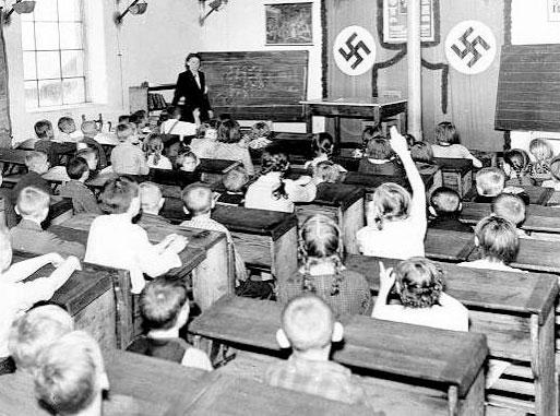escuela alemania nazi