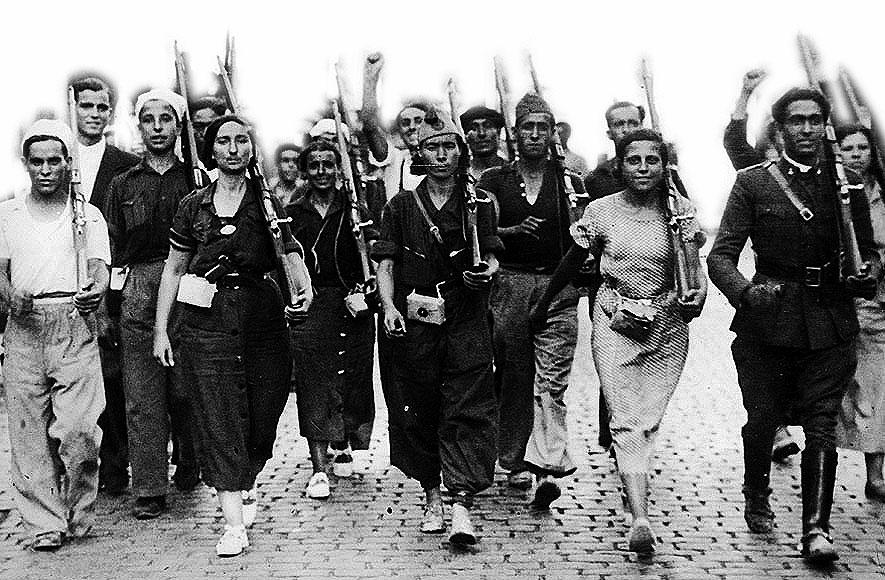 Hombres y mujeres de una de las milicias organizadas en la zona republicana, tras la sublevación militar de julio de 1936.